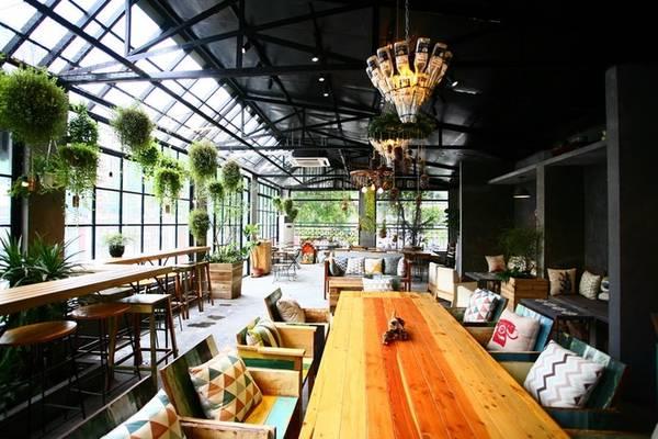 Thi công điện nước, đèn trang trí quán cà phê quận Ba Đình